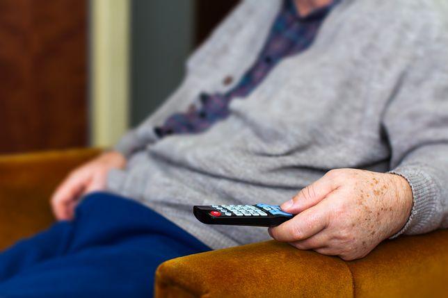 Seniorzy, którzy ukończyli 75. rok życia są ustawowo zwolnieni z opłat abonamentowych