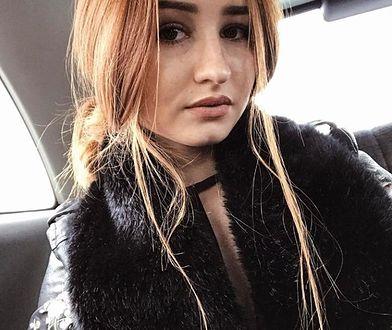 Królowa Snapchata na ramówce Polsatu. Angelika Mucha w piórach