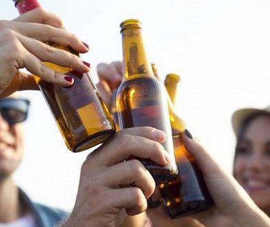 Czy nieletni mogą kupić alkohol? Kontrola na Ursynowie wykazała, że tak