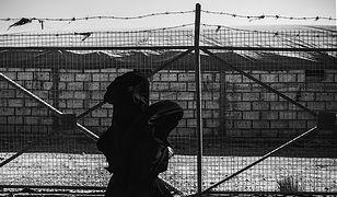 Kobiety zamknięte w obozie Al-Hol wciąż wyznają zasady Państwa Islamskiego.
