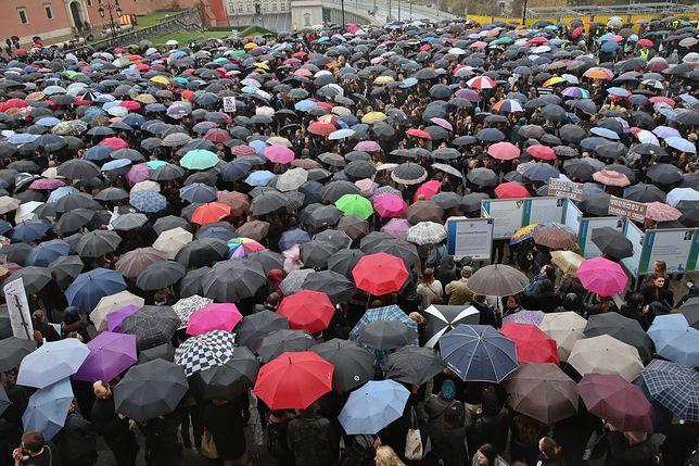 Strajk Kobiet walczy o Sejm. Marta Lempart: mamy dosyć roznoszenia ulotek