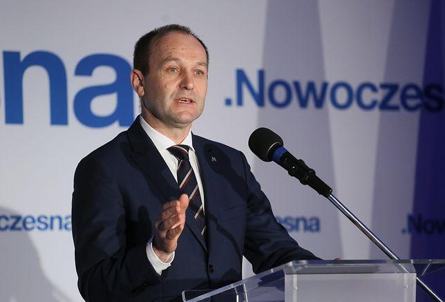 Nowoczesna apeluje o podpisywanie się pod wnioskiem o delegalizację ONR