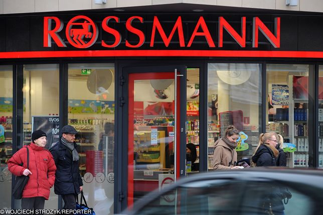 Szaleństwo w Rossmannie. Klientki dosłownie rzucają się na promocje