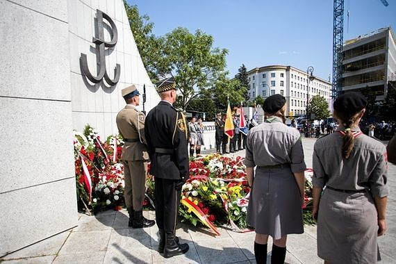 73 lata temu po 63 dniach walki upadło Powstanie Warszawskie