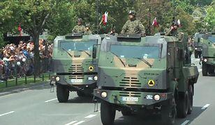 Defilada wojskowa na ulicach Warszawy (WIDEO)