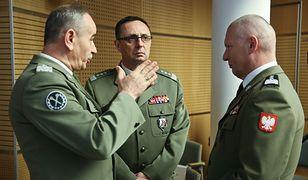 Od lewej: gen. Mieczysław Gocuł, gen. Marek Tomaszycki, gen. Mirosław Różański
