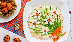 Wiosenne, kolorowe i proste sałatki idealne na Wielkanoc