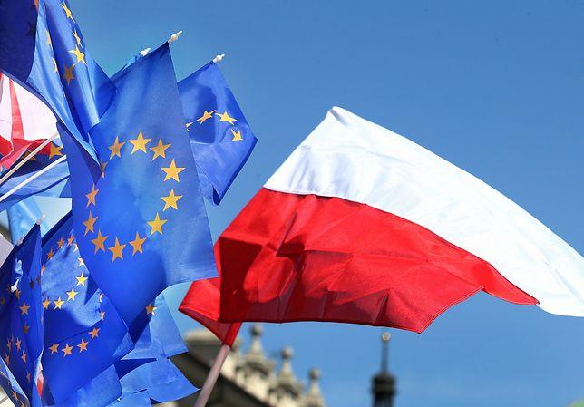 Polacy chcą polexitu? Wyniki najnowszego sondażu mogą zaskakiwać