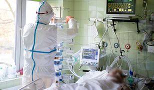 Koronawirus w Polsce. Najnowszy raport zakażeń. Rekordowa liczba zgonów [25 listopada]