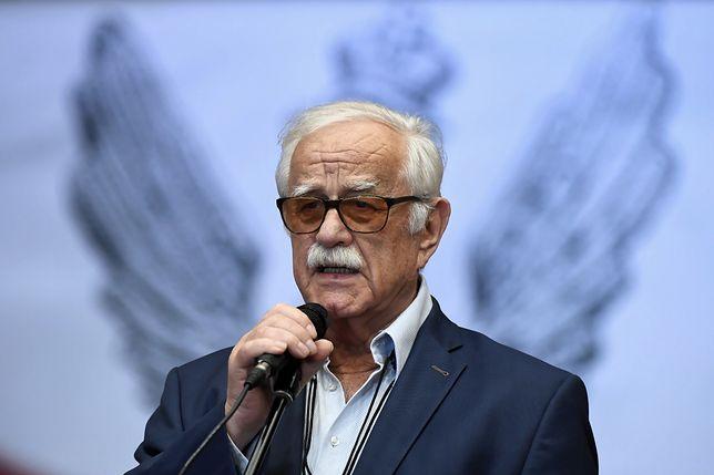 Satyryk Jan Pietrzak jest jednym z adresatów wezwań do przeprosin Lecha Wałęsy