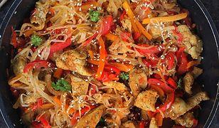 Pad thai z kurczakiem. Smak Azji