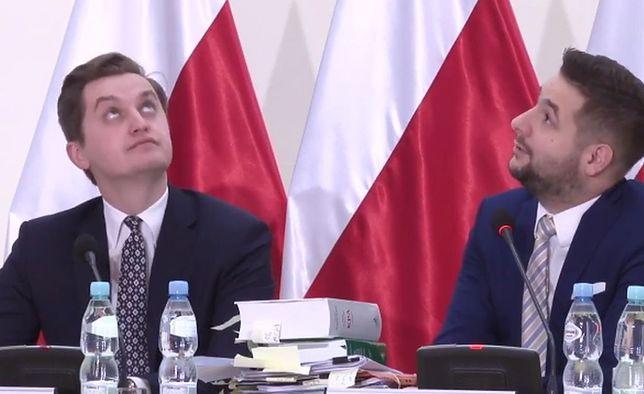 Sebastian kaleta i Patryk Jaki na Komisji Weryfikacyjnej.