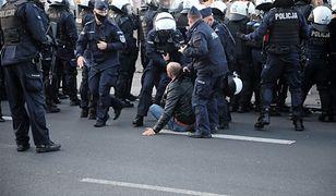 Protesty w Polsce. Szarpanina z policją na manifestacji w Łodzi. Będą zarzuty (zdjęcie ilustracyjne)
