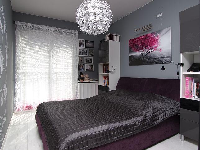 Потолочные светильники с художественными акцентами добавят характер спальне.
