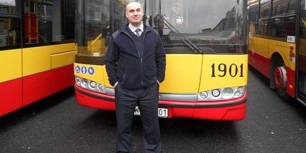 """Warszawski kierowca autobusu uratował życie pieszemu. """"Liczyła się każda sekunda"""""""