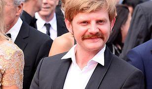 Rafał Zawierucha na czerwonym dywanie w Cannes. Obok Brad Pitt i Leonardo DiCaprio