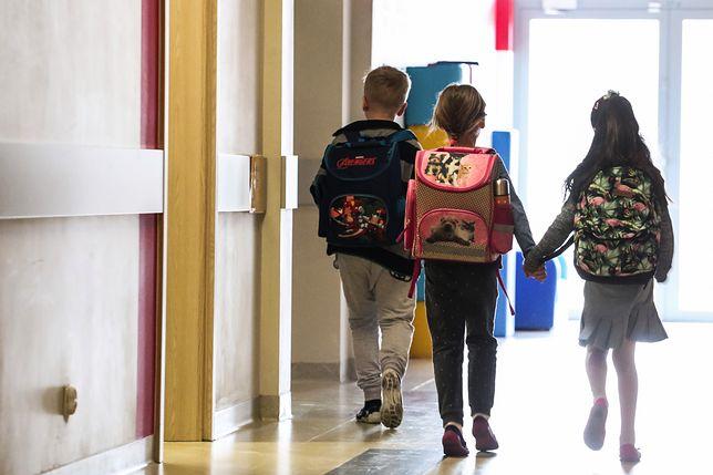 Dzieci w trudnych chwilach nie mogły liczyć na pomoc pedagoga