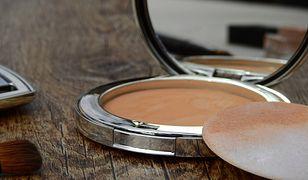 Puder – wisienka na torcie każdego makijażu
