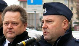 Wiceszef MSWiA Jarosław Zieliński (z lewej) i szef podlaskiej policji nadinsp. Daniel Kołnierowicz.