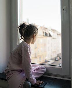 Rodzice w szpitalu, co z dziećmi? Decyzja po stronie samorządów