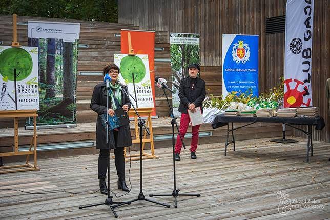 Warszawa. Justyna Glusman, dyrektorka koordynatorka ds. zrównoważonego rozwoju i zieleni m.st. Warszawy podczas inauguracji