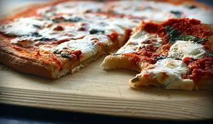 Pierwsza taka restauracja w stolicy. Stwórz wymarzoną pizzę za pomocą stołu dotykowego!
