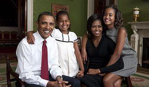 Córki Obamów zniknęły z pola widzenia. Barack powiedział, co się z nimi dzieje