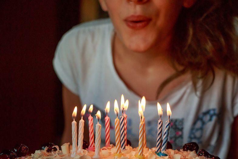 Życzenia urodzinowe. Czego życzyć jubilatowi? Zaskocz pięknym wierszykiem