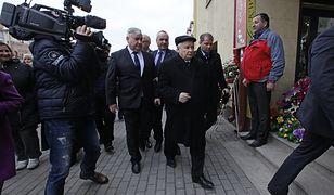 Prezes PiS Jarosław Kaczyński w drodze na spotkanie z mieszkańcami Podlasia (zdj. arch.).