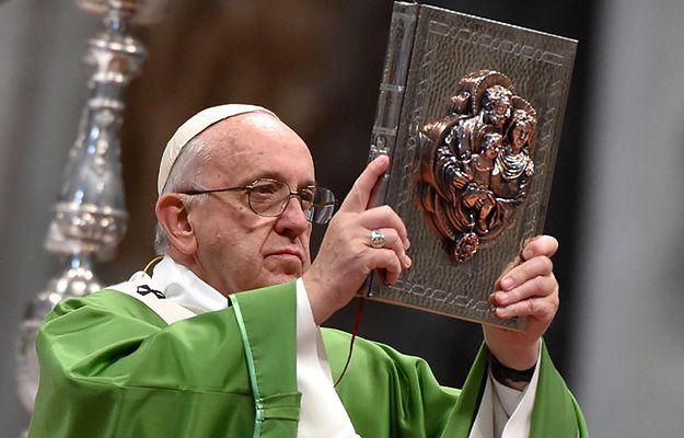 Papież po zakończeniu synodu: dziś jest czas miłosierdzia