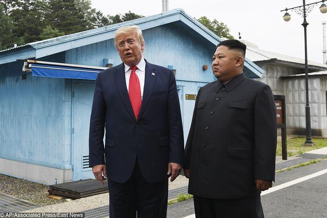 Spotkanie Donalda Trumpa z Kim Dzong Unem  we wsi Panmundżom w strefie zdemilitaryzowanej na granicy pomiędzy Koreami, czerwiec 2019 r.