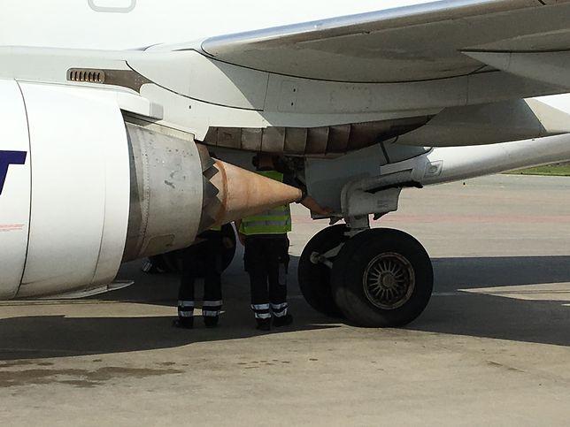Nagłe lądowanie w Warszawie. Samolot Embraer 195 miał problem z podwoziem
