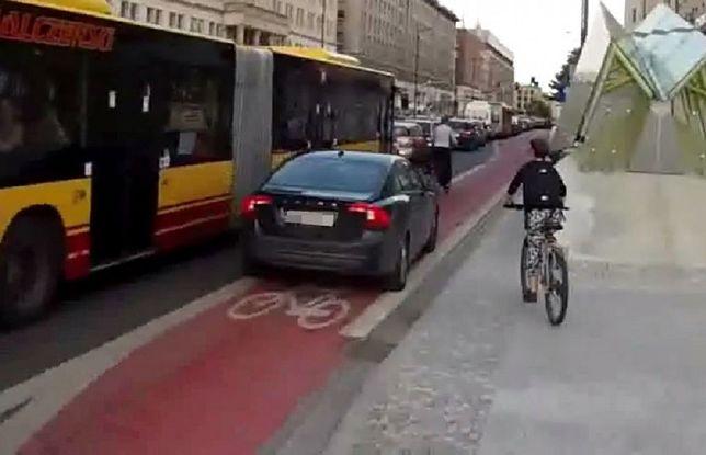 Piracki rajd po ścieżce rowerowej. Sam zgłosił się na policję