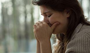 Kobiety po poronieniach skarżą się na procedury. Potrzebny kurier i kilkaset złotych