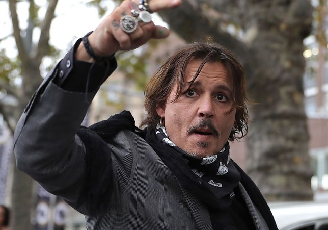 """Rozprawą Johnny'ego Deppa, który wytoczył pozew """"The Sun"""", od kilku miesięcy żyją media plotkarskie na całym świecie"""