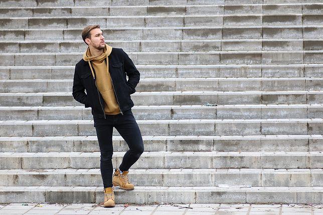 W co się ubrać na wiosenny spacer? Sprawdź idealny strój męski!