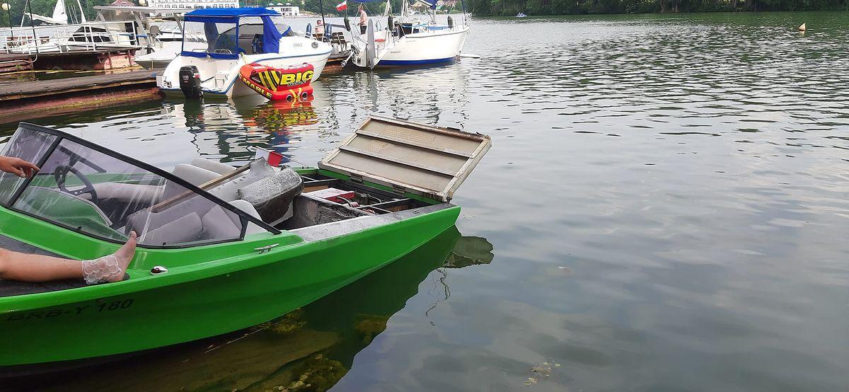 Ciszę przerwał huk. Eksplozja na jeziorze Lubiąż