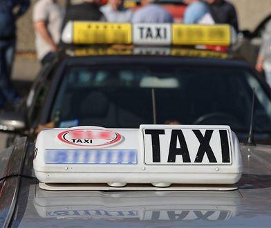 """""""Przez stetryczałych dziadków nikt nie chce jeździć taksówkami"""". Maria rok temu rzuciła korporację dla Ubera"""