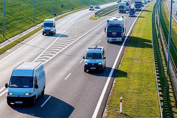 Przez Polskę przejeżdża konwój stu ciężarówek z pomocą dla Ukrainy