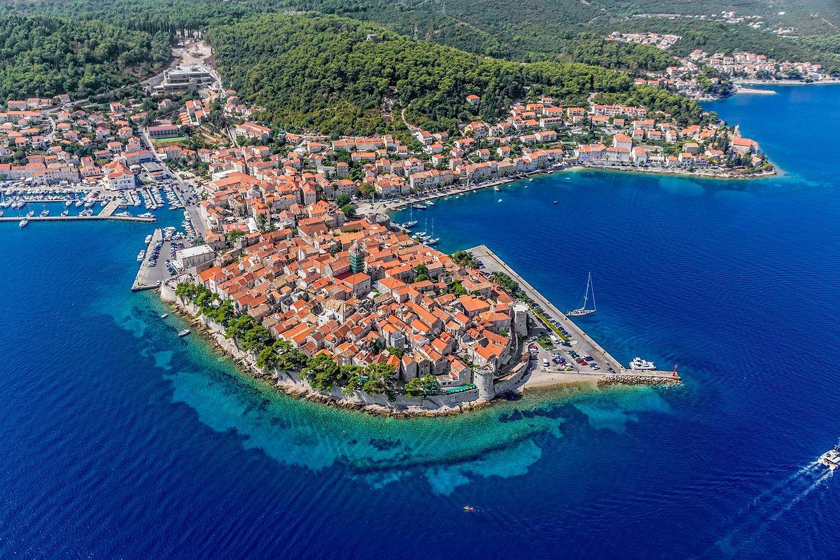 Korčula położona jest w południowej Dalmacji