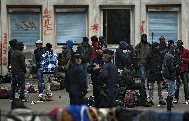 Akcja oddziałów specjalnych w Paryżu. Ewakuowano ponad 700 imigrantów