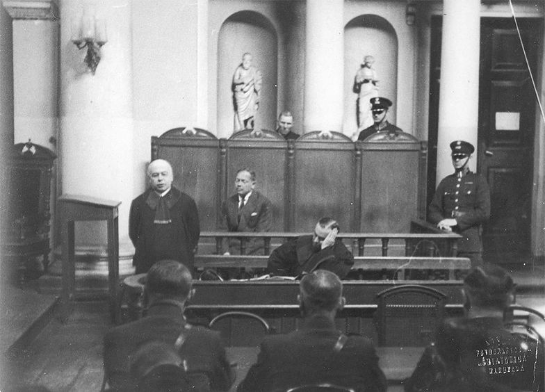 Polski sąd wysłał Żyda za kraty, bo ośmielił się skrytykować Adolfa Hitlera. To się naprawdę zdarzyło