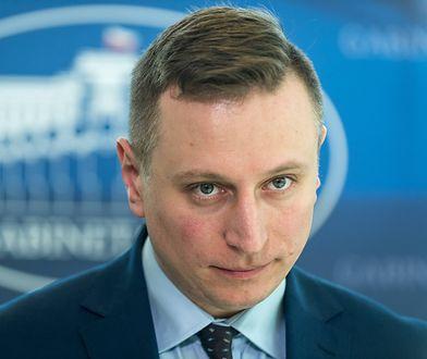 Poseł Brejza zapytał o Smoleńsk. Odpowiedź jest zdumiewająca