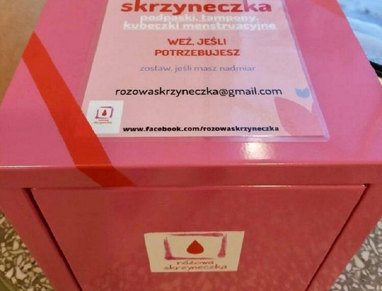 Różowe skrzynki w Kielcach. O co chodzi?