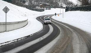 Pogoda na weekend. Uwaga kierowcy: trudne warunki na drogach