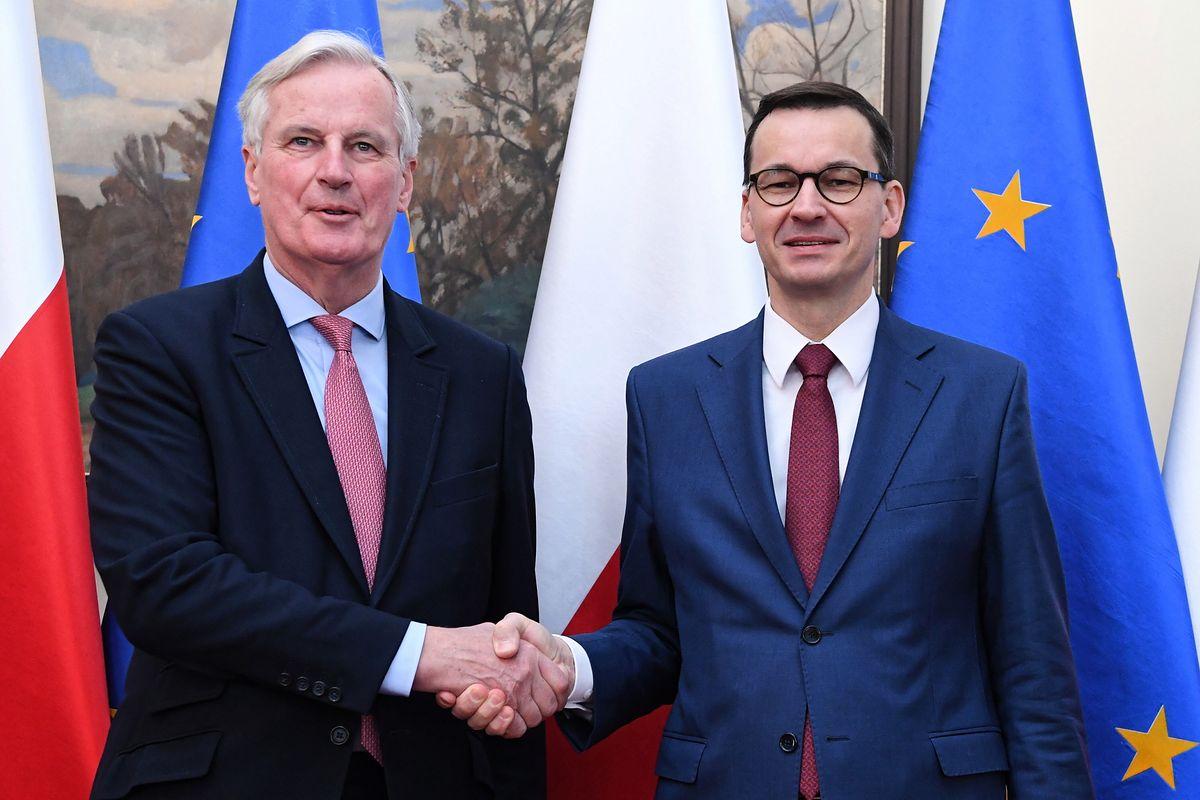 """Morawiecki rozmawiał z unijnym komisarzem o brexicie. """"Chcemy pozostania Brytyjczyków w UE"""""""