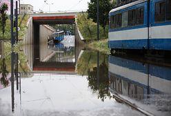 Burza nad Krakowem. Zalane ulice i zepsuta sygnalizacja świetlna
