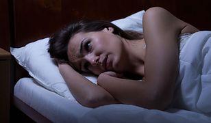 """Silne emocje, stres, napady paniki. """"Zespół złamanego serca"""" najczęściej dotyka kobiet."""