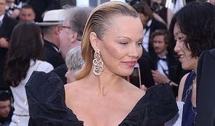 Elegancka Pamela Anderson w Cannes