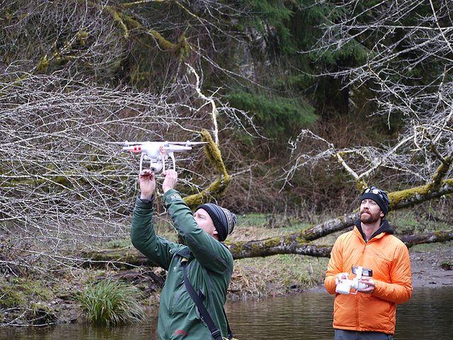 Zabawkowy dron może dostarczyć dużo frajdy